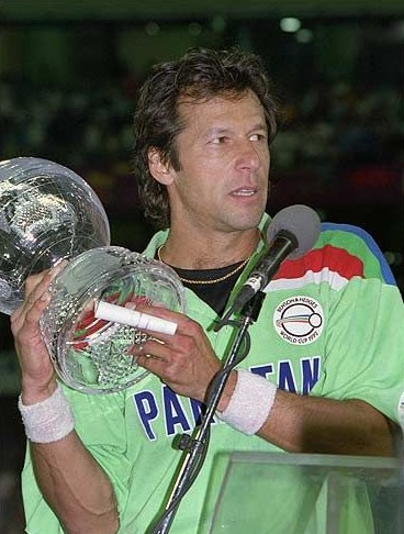 Imran Khan holding World cup 1992 trophy